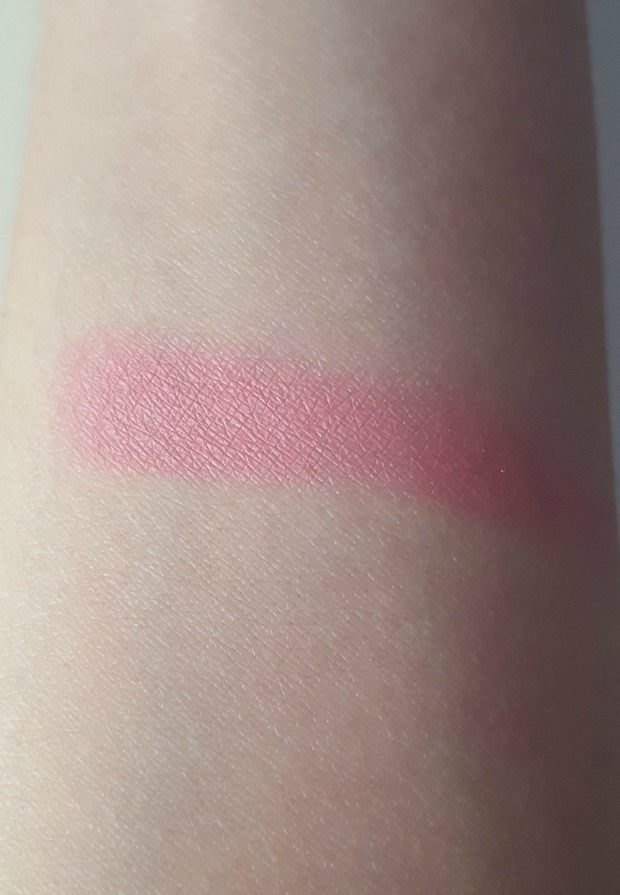 stila custom color blush coral swatch
